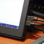 モバイル液晶「On-Lap 1101P」はスピーカーが付いていて、PCの音もそっちから出る