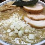 東京・荻窪で背脂+煮干+玉ねぎ。ラーメン「二葉」のラーメンが絶品だった