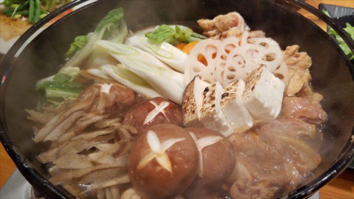 そこに割り下が入り、様々な茨城県産の食材がIN!