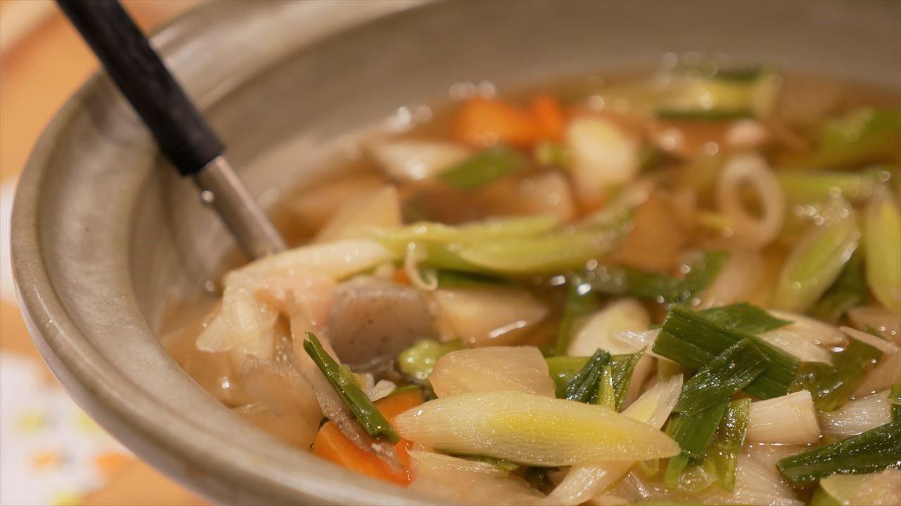 高知のおいしい野菜がたっぷりのシャモ鍋